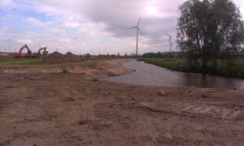 zicht op landschap Doornzele met windmolens